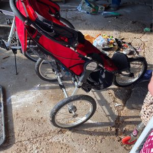 Q Series Stroller for Sale in Newburgh Heights, OH