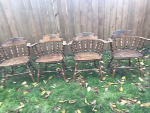 Sturdy, clean wooden chairs. Set of 4! Great condition! for Sale in Tacoma, WA