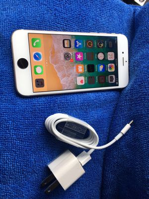 White iPhone 6S 64gb factory unlocked for any carrier clean imie for Sale in Chicago, IL