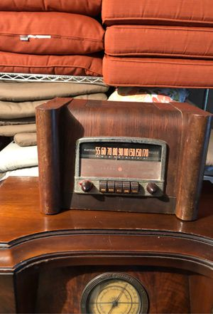 GE Radio Model L-660 Police Band, manufactured 1941 for Sale in Islip, NY