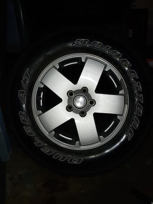 2011 Jeep Wrangler Sahara wheels set of 5 for Sale in Danbury, CT