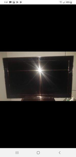52' Samsung tv for Sale in Higbee, MO