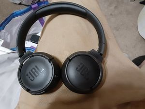 JBL Tune 500 bluetooth headphones for Sale in Mesa, AZ