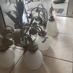 Chandelier for Sale in Jacksonville Beach, FL