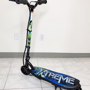 """(NEW) $70 Kids Teens Electric Scooter Hand Brake Kick Stand Rechargeable Battery (29x8x35"""") for Sale in Whittier, CA"""