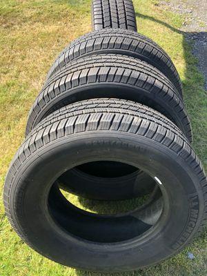 Toyota Tundra tires Michelin 275/65R18 for Sale in Everett, WA