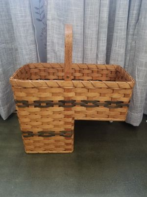FREE NOT LONGABERGER BUT MADE SIMILAR STAIR BASKET for Sale in Vallejo, CA