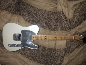 FENDER TELECASTER (modified) for Sale in Miami, FL