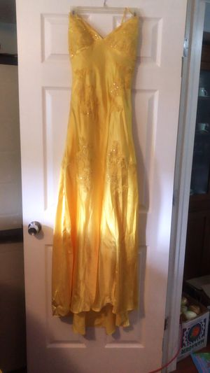 Yellow sequence dress size 9/10 for Sale in West Valley City, UT