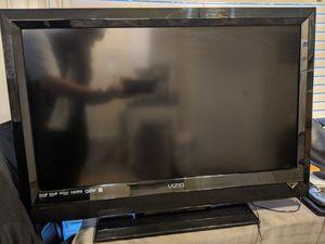 """32"""" Vizio HD LED TV w/ Logitech universal Remote for Sale in Tacoma, WA"""
