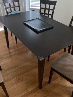 Dinning Table for Sale in Fremont,  CA