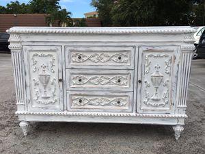 Beautiful White Coastal Shabby Chic Dresser / TV Console / Buffet for Sale in Palm Beach Gardens, FL