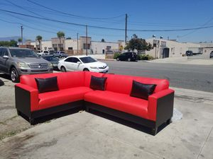 NEW 7X9FT RED LEATHER COMBO SECTIONAL COUCHES for Sale in E RNCHO DMNGZ, CA