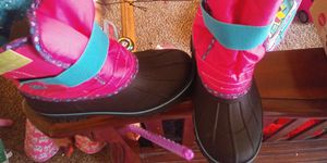 Lily and Dan girl snow boots 2/3 for Sale in Memphis, TN
