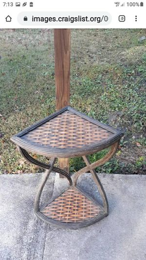 VINTAGE CORNER TABLE WICKER WEAVE for Sale in Lynchburg, VA