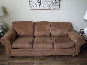 Good Condition Leather Couch With Pull Out Bed for Sale in Noblesville, IN