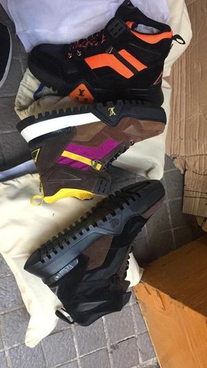 Louis Vuitton sneakers special price rite now for Sale in Philadelphia, PA