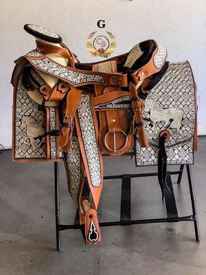 Montura bordada hecho en México 100% calidad for Sale in Inglewood, CA