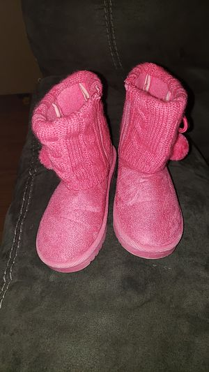 Snow boots girls size 10 for Sale in Louisville, KY