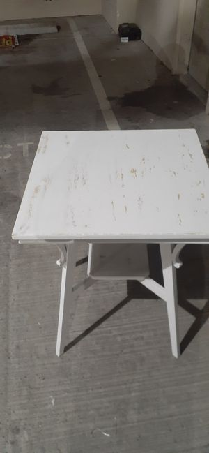 Cute lil patina table for Sale in Seattle, WA