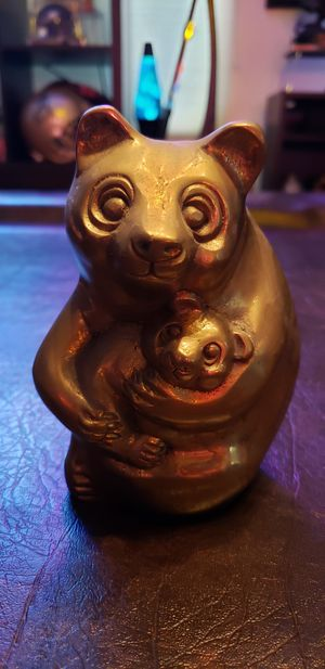 Really Cool Mama and Baby Bear Brass Statue. 6 inches tall. for Sale in Kent, WA