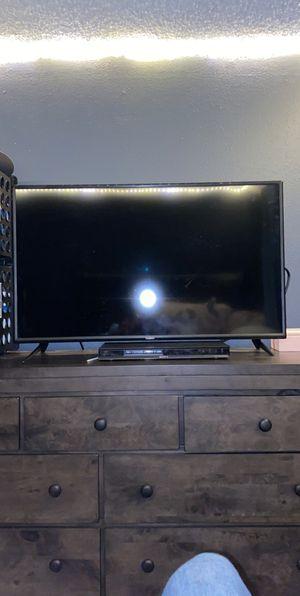 40' Vizio Smart TV for Sale in Hoquiam, WA