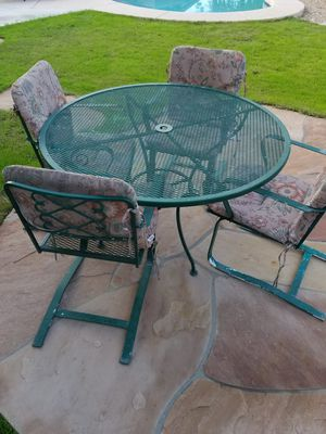 Patio table for Sale in Surprise, AZ