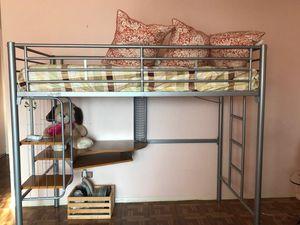 Twin bed w desk for Sale in Paterson, NJ