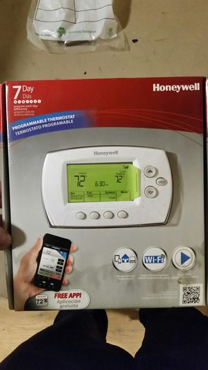 Honeywell programmable thermostat for Sale in Seattle, WA
