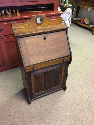 Small Oak Wood Desk and Cabinet, unique for Sale in Manalapan Township, NJ