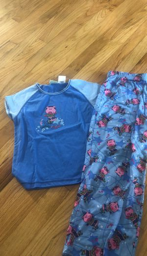 Girls Pajamas size 6 for Sale in Livonia, MI