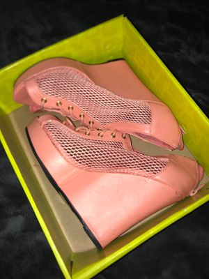 High heels size 8 for Sale in Cleveland, OH
