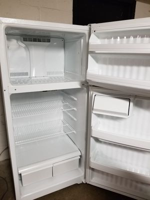 Refrigerator nice and clean for Sale in Falls Church, VA