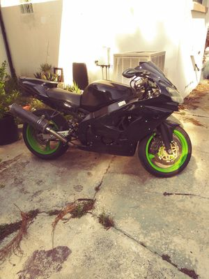 2001 zx9r ,extra motor,tires,parts etc. for Sale in Tampa, FL