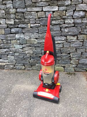 Hoover deluxe elite bagless vacuum cleaner for Sale in Concord, MA