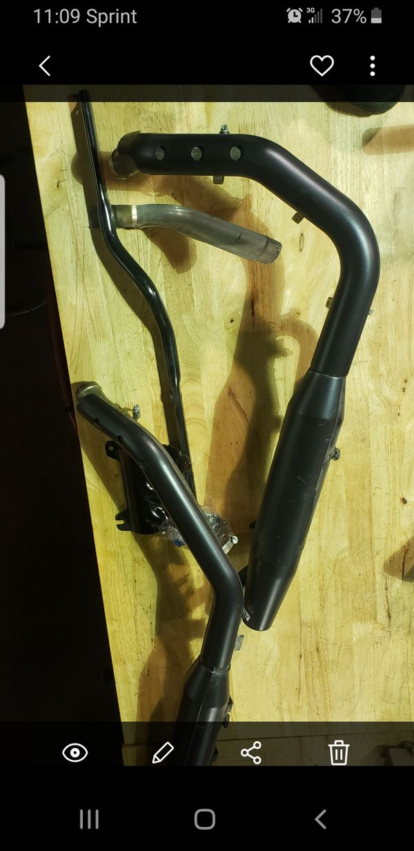 Vance & Hines Exhaust Pipes