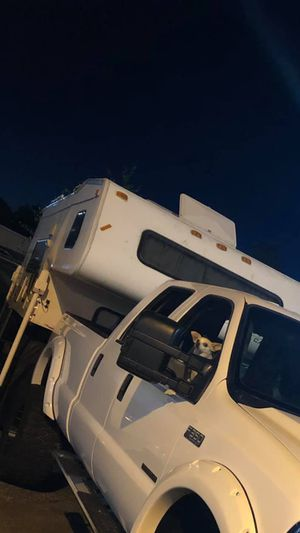 Camper Fletwood 2000 for Sale in Seattle, WA