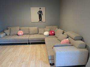 Modern oversized couch 🛋 sectional for Sale in Chino Hills, CA