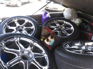 "20"" rims for chevy or GMC 6 lugs needs caps covers good condition for Sale in Fresno, CA"