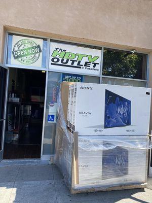 HUGE TV SALE ! SMART 4K ! SAMSUNG LG SONY VIZIO QLED OLED TCL ROKU 55 INCH 65 INCH 75 INCH 80 INCH 82 INCH 85 INCH for Sale in Burbank, CA