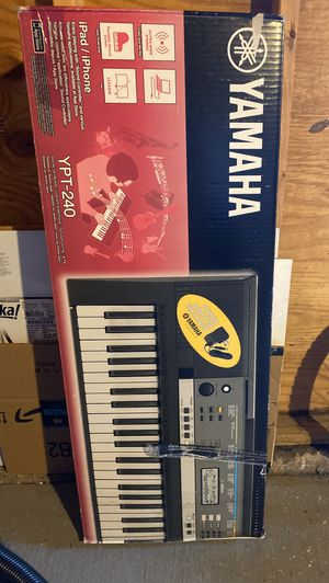 Yamaha Keyboard ypt 240 for Sale in Chicago, IL