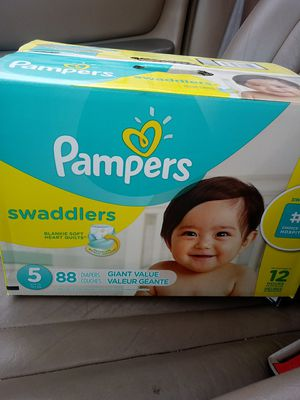 Pampers swaddlers size 5 for Sale in Marysville, WA