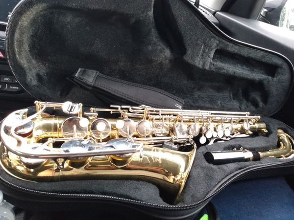 Yamaha saxophone 200