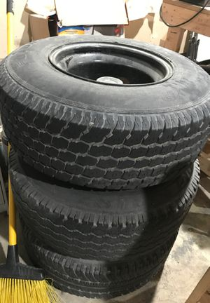 R15 tires and 3 rims for Sale in Dallas, TX