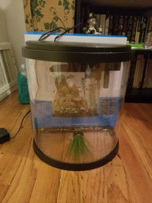3.5 gallon fish tank for Sale in Florissant, MO