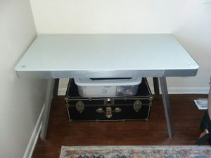 Metal and glass desk for Sale in Ashland City, TN