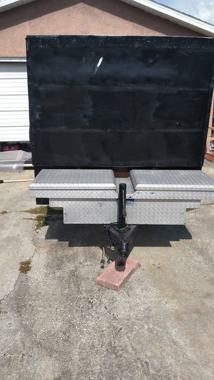 Utility trailer 5x8 home made enclosed aluminum box , Has ramp, new lights. New safety chains. Jack works. for Sale in NEW PRT RCHY, FL