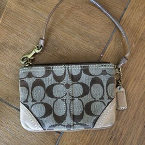 Coach Wristlet for Sale in Frederick, MD