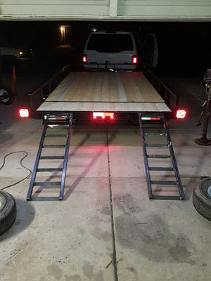 7x14 utility trailer with stow away ramps for Sale in Peoria, AZ