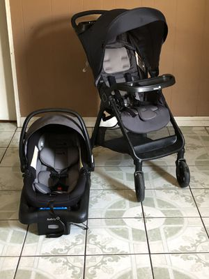 PRACTICALLY NEW SAFETY 1ST SMOOTH RIDE TRAVEL SYSTEM STROLLER CAR SEAT AND BASE for Sale in Riverside, CA